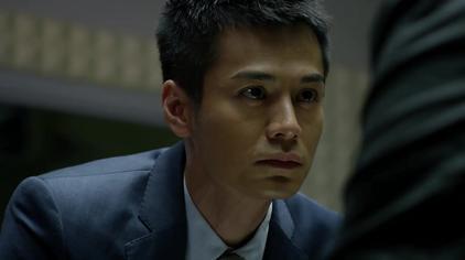 《无间道(剧版)》第一集,黑帮头目火星蛮横对待警官盘问