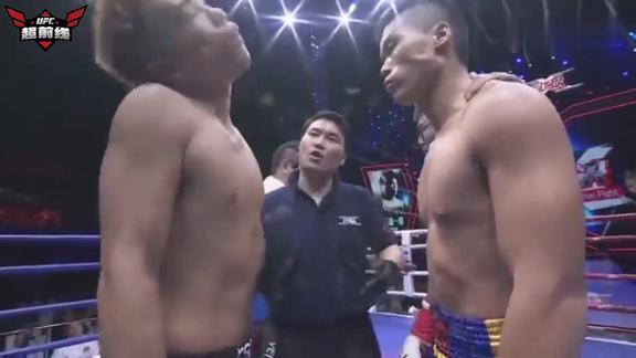 KO一龙的日本拳王来华,仰头鼻孔瞪人太嚣张,遭中国硬汉砸破头