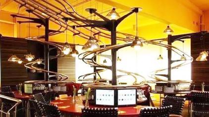 德国造全球首家智能无人餐厅,上菜只需10秒,中国北京也开了一家