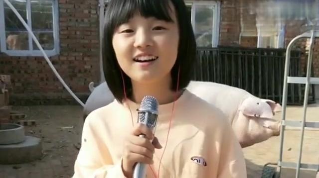 小甜甜翻唱《野狼disco》火了,网友:不愧是邓紫棋喜欢的小女孩