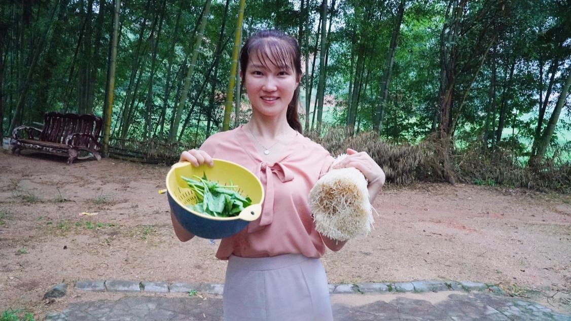 小丽的日常早餐正宗攸县米粉,亲自下厨制作,看你能给她打多少分