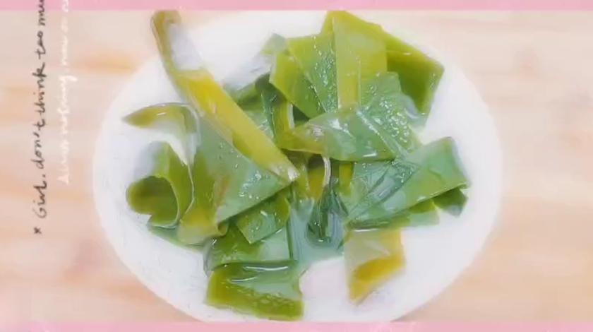 排骨海带汤分享给大家,暖胃又美味,主要不发胖哦😊