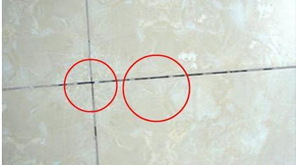 瓷砖缝隙太大不用愁,装潢师傅教我个绝招,轻松修复,看了涨知识
