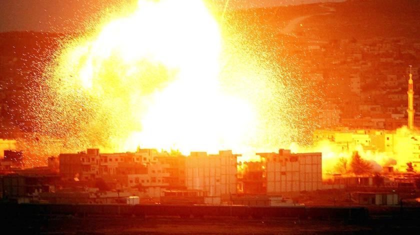 终于动手,40架美制战机出动,伊朗基地一片火光,9名指挥官阵亡