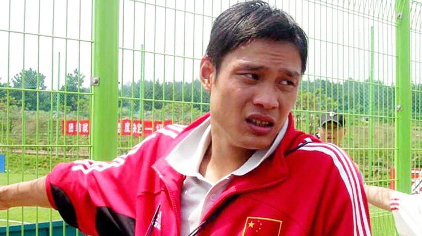 国足终于迎来了姚明刘国梁般的人物,他曾大骂国足脸都不要了!
